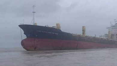 """Photo of Gigantic """"Ghost"""" Ship Reappears after 10 years and Fishermen are Amazed"""