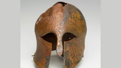 Photo of A Rare 2,500-year-old Bronze Helmet Found, It Belonged To A Greek Soldier.