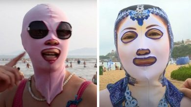 """Photo of Facekini: The Face """"Swimsuit"""" Worn By Chinese Women So As Not To Tan."""